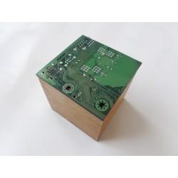 Insolente 15072 - boite - circuit imprimé vert
