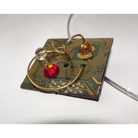 Capricieuse 18125 - pendentif bijou fantaisie - circuit imprimé doré