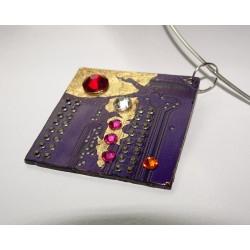 Mystique 18136 - pendentif bijou fantaisie - circuit imprimé violet