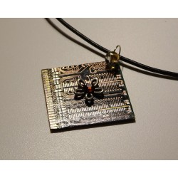 Capricieuse 18164 - pendentif bijou fantaisie - circuit imprimé doré